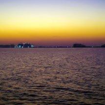 #4228 Sonnenuntergang hinter der Stadt